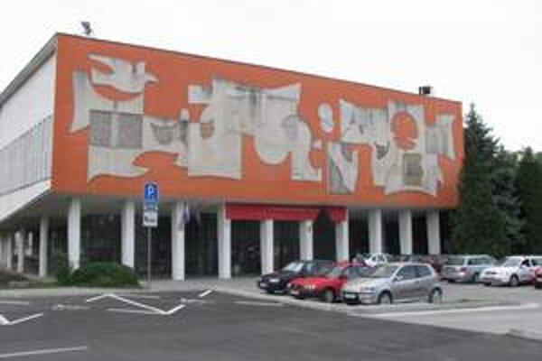"""K fakulte pristavajú ďalšiu budovu v tvare písmena """"L"""""""
