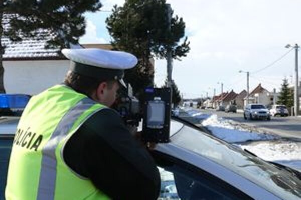 Tristo policajtov služby dopravnej a poriadkovej polície odhalilo počas štyroch dní 1032 dopravných priestupkov.