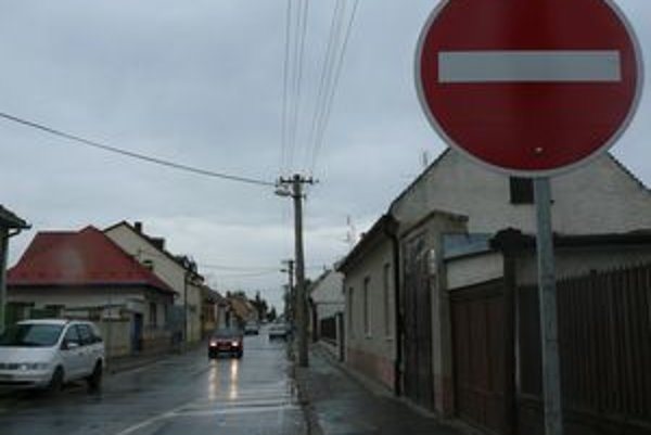 Pažitnú ulicu už prejdete len v jednom smere.