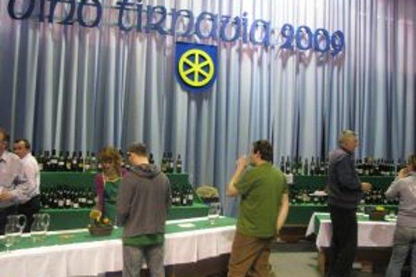 Návštevníci ochutnávali vzorky 666 vín.