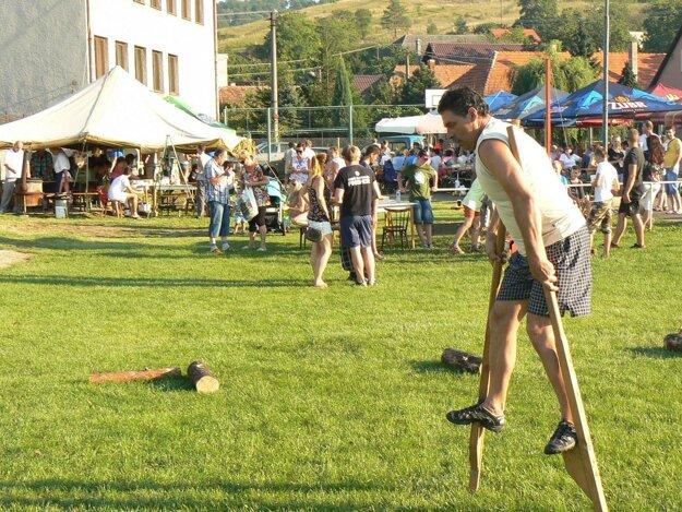 Netradičné súťažné disciplíny prilákali do Radobice množstvo návštevníkov.