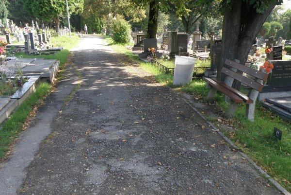 Cintorín na Mariánskej ulici v Prievidzi.