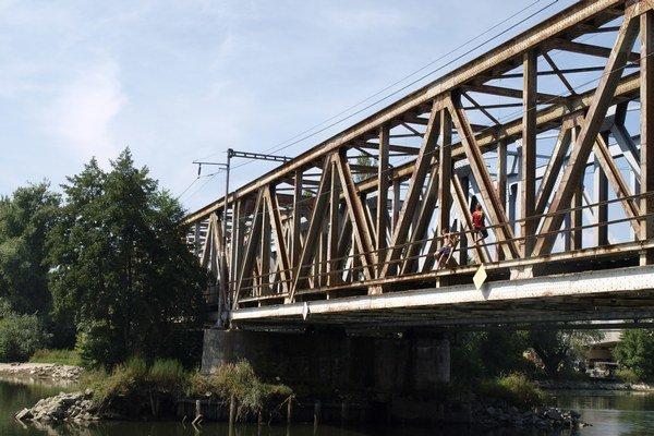 Vízia mesta je, aby most slúžil ako promenádny pre peších a cyklistov.