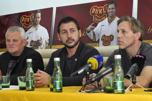 Jozef Daňo (v strede) chce Duklu vidieť čo najvyššie.