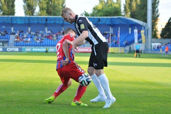 Peter Sládek strelil oba góly Spartaka.