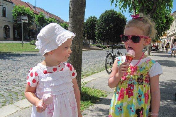 Zmrzlinové osvieženie chutí najmä v lete.