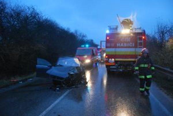 Šofér Audi bol na mieste nehody mŕtvy