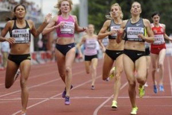 Lucia Klocová (druhá zľava) Utvorila slovenský rekord v behu na 1000m.