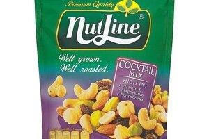 Nutline Coctail Mix zmes na sucho pražených solených orechov a hrozienok 150 g