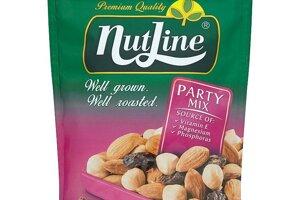 Nutline Party Mix zmes na sucho pražených a solených orechov a hrozienok 150 g