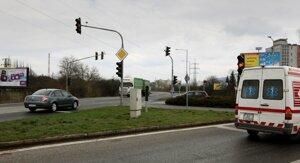 Svetelná signalizácia na Lučeneckej ceste.