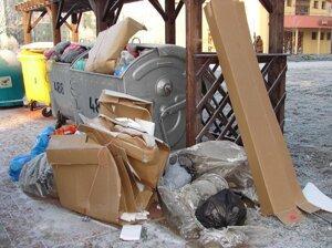Vyhodené kartóny - odpad