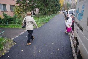 Chodniky v Sasovej....