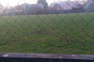 Výmena dolnej časti oplotenia cvič. ihriska futbalového štadióna