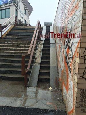 Zničené schody