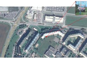 Parkovanie medzi panelákom a školským dvorom