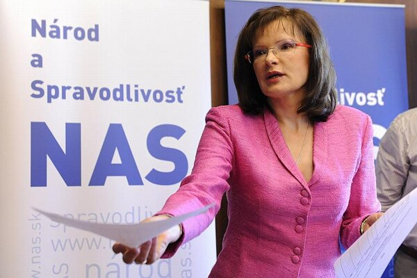 Belousovová wants to found a new political party.