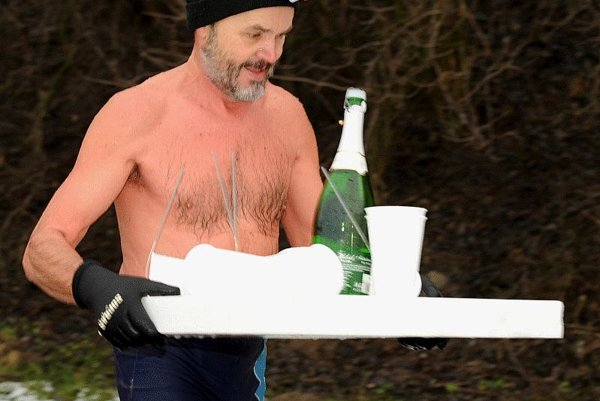 It was champagne on ice for swimmers in the Váh River at žilina at New Year.