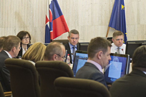 Slovak government at its 2nd session on April 6.