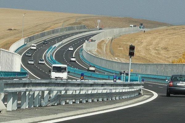 The R1 dual carriageway, a PPP at work.