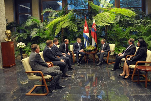 Cuban president Raul Castro (second right in the centre) and Slovak Prime Minister Robert Fico (2L-C)during an official visit to Cuba.
