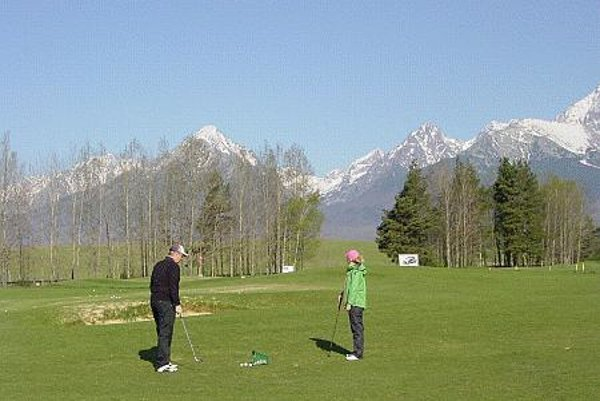 Golfing under Slovakia's highest mountains
