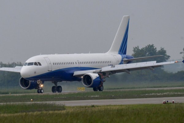 French Airbus 319-115 CJ which will serve to government.