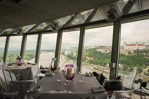 The restaurant UFO watch.taste.groove has one of the most attractive locations in the city, with a 360 degree view over Bratislava