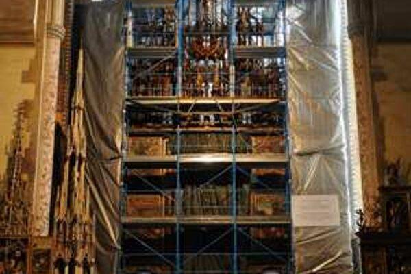 Levoča altar being renovated