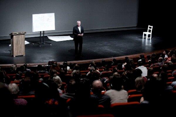 Robert Wilson held a lecture in SND in Bratislava.