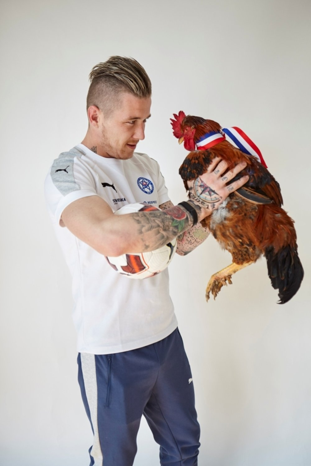 Juraj Kucka had no problems with the bird.