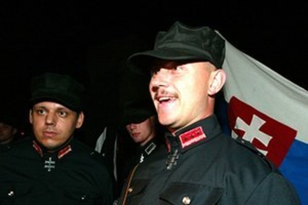 In the past, Marian Kotleba used to wear a uniform that greatly resembled the uniform of the Hlinka Guard, a wartime Fascist organization in Slovakia.