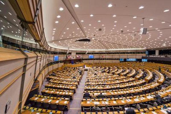 Members of the European Parliament discuss the decision adopted on a strategic framework for the Energy Union during a plenary session at the European Parliament in Brussels on February 25.