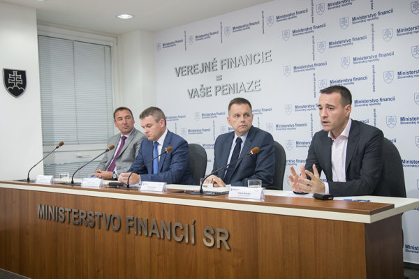 Ministers Roman Brecely, Peter Pellegrini, Peter Kažimír, Tomáš Drucker, from left