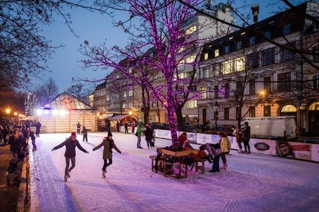 Skating at Hviezdoslavovo Square.