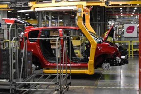 French automobile producer PSA suspended production at its Trnava plant on March 19 and will remain closed until March 27.