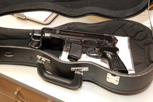 Submachine gun model 61.
