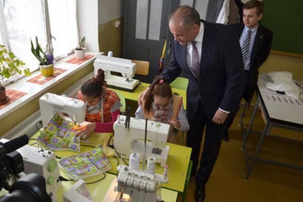 President Andrej Kiska also visited a school in Kežmarok (north-eastern Slovakia) on April 7.