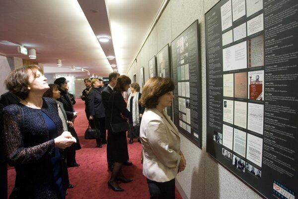 Exhibitions in SND interior.