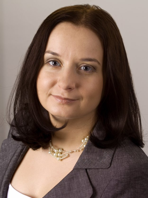 Martina Poliačiková, Senior Associate