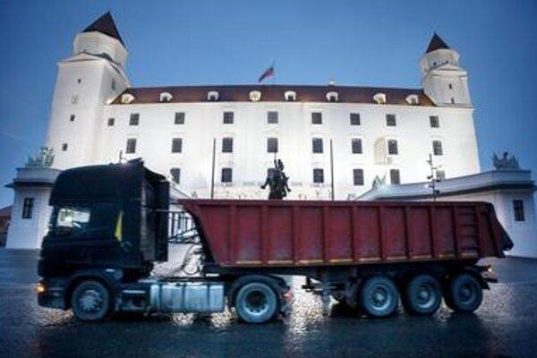 Váhostav-SK is also reconstructing the Bratislava Castle.