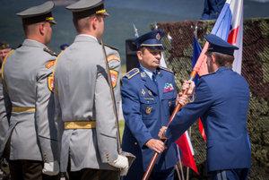 L-R: New Slovak Air Force commander, Ľubomír Svoboda, takes over from his predecessor, Miroslav Korba.