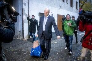 Pavol Rusko (C) released from pre-trial custody.