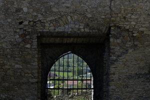 Beckov, entrance gate
