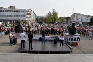 Humenné sqaure during the April 15, 2018 protest For Decent Slovakia.