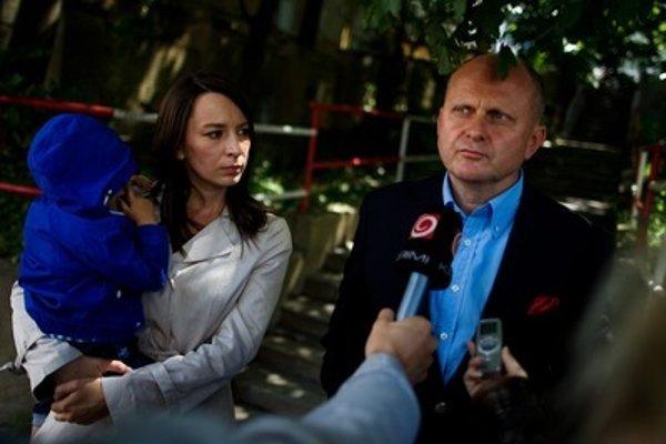 Hedviga Malinová-Žáková (L) with Roman Kvasnica in 2012.