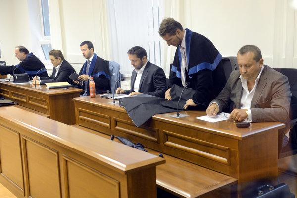 The court proceeding in BMG, Horizont case; Dávid Brtva 3R.