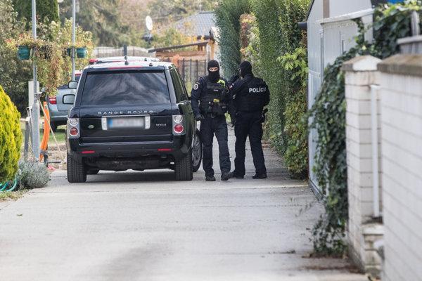 Police raid at the house of Marian Kočner, Bernolákovo.