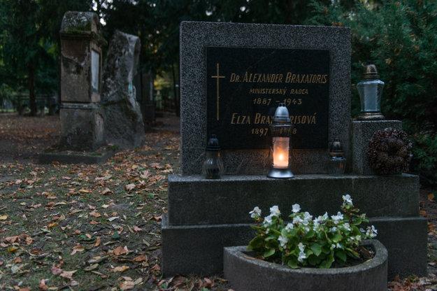 Alexander Braxatoris was the grandson of Andrej Sládkovič.