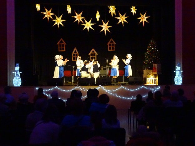 Christmas theatre performance in Karlova Ves.